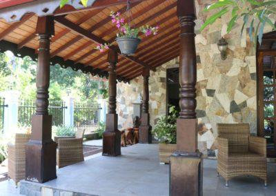 Villa Svara kosgoda gallery garden font 2